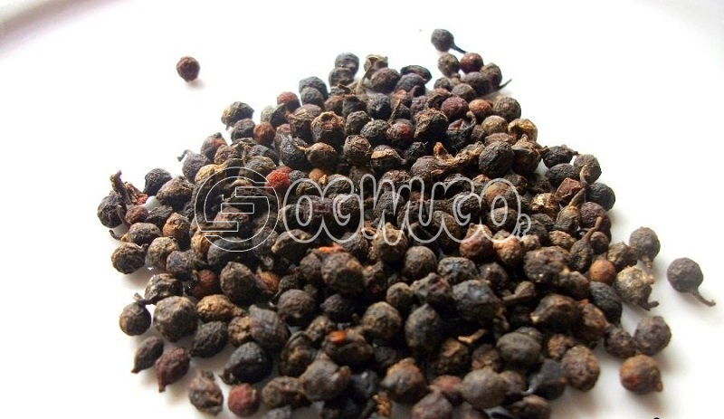 Uziza seed(Piper guineese)It adds taste to soup The taste it gives to your egusi soup will make you ask for more.lt is also medicinal.