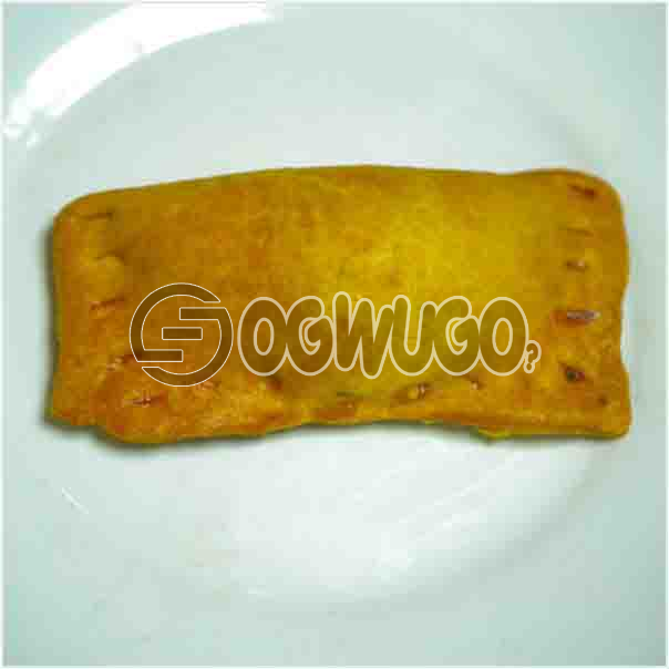 Freshly baked savory Chicken PIE it comes with a filling of meat just the way you like